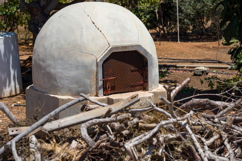 Aprendé cómo construir un horno de barro en tu casa como un profesional