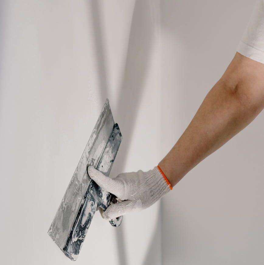 Revoque fino en la pared