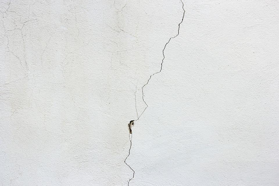 revoque grueso en la pared