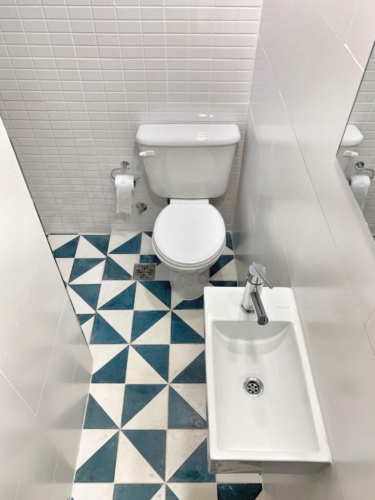 Aprendé cómo distribuir un baño 2x2.