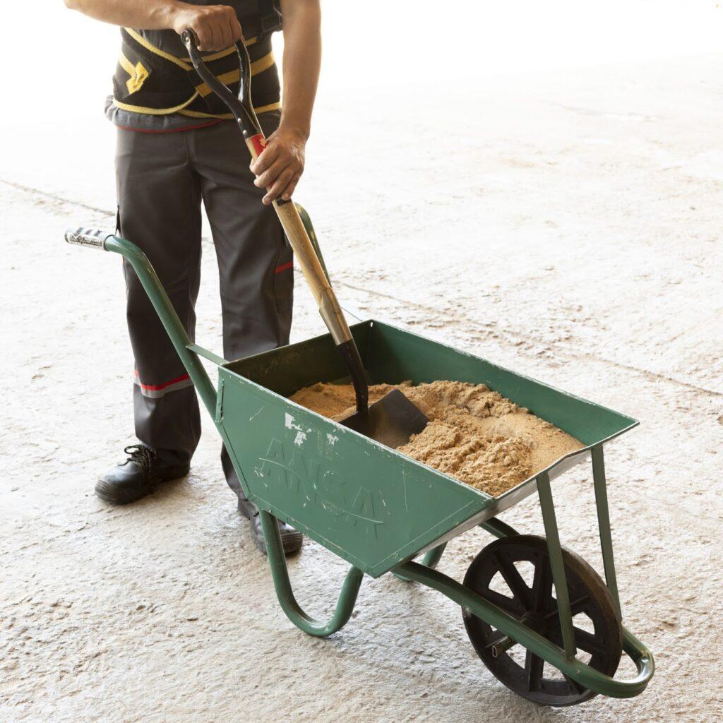 La arena es necesaria para el cemento estándar.