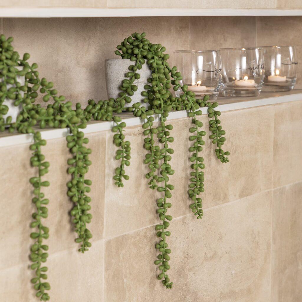 ¿No sabés cómo remodelar el baño? Sumá nichos en las paredes.