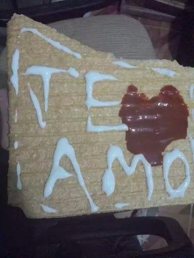 No van las tostadas con mensajes de amor.